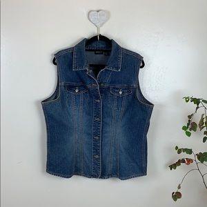 CHICOS Dark Wash Denim Vest EUC Size 3
